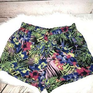🌸4 for $26 Rocks and Indigo floral print shorts